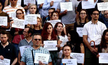 Protestele magistraților continuă. Judecătorii din Constanța pleacă spre București pentru a li se alătura colegilor