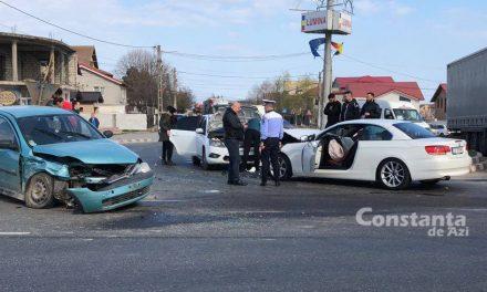 VIDEO. Accident cu patru mașini la intrarea în Lumina din cauza neacordării de prioritate