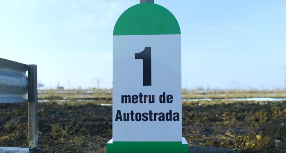 În semn de protest, un afacerist din Suceava a inaugurat un metru de autostradă. VIDEO