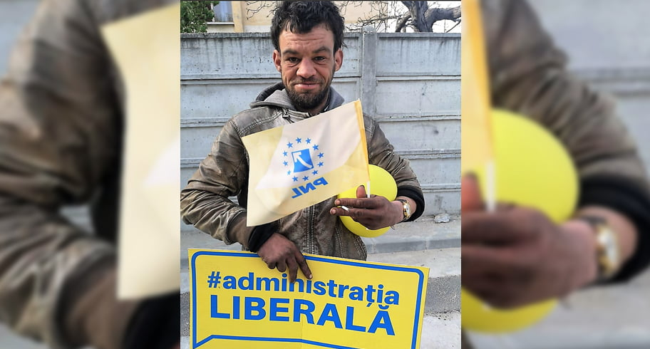 """VIDEO. Om cu probleme psihice, umilit de PSD într-o campanie anti-PNL. """"Mi-au dat 3 lei să fac poze cu ele"""""""