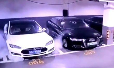 VIDEO. O mașină Tesla explodează brusc într-o parcare