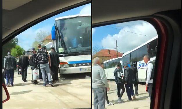 VIDEO. Oamenii din sate, duși cu autobuzele la mitingul PSD din Craiova. Unii sunt obligați de șefi să participe