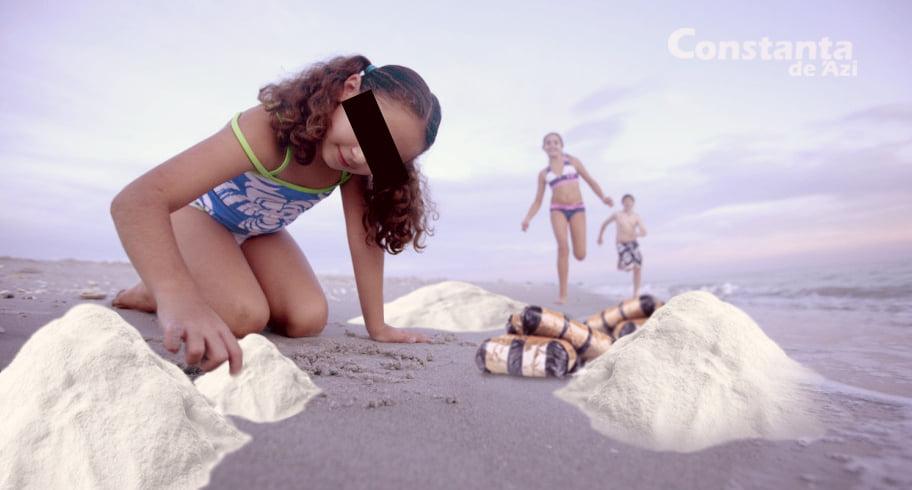 Feerie! Mai mulți copii din Constanța au ieșit pe plajă să se joace cu zăpadă