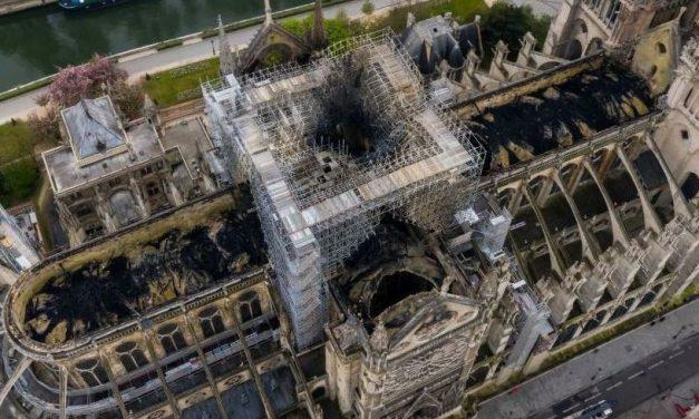 VIDEO. Cum arată catedrala Notre Dame după incendiu. Imagini spectaculoase, filmate din dronă