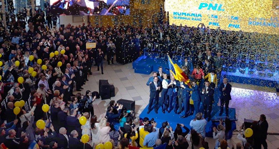 """Lansarea candidaţilor PNL pentru europarlamentare, la Constanţa. Liberalii au intrat """"în bătălia cu cei care şi-au bătut joc de România"""""""