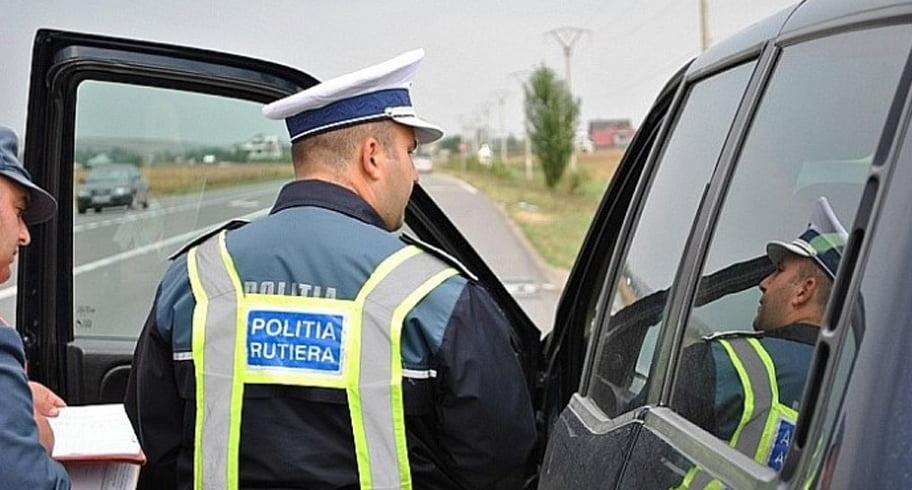 Sute de analfabeți conduc cu acte în regulă pe străzile României. 5.000 de euro șpagă pentru un permis