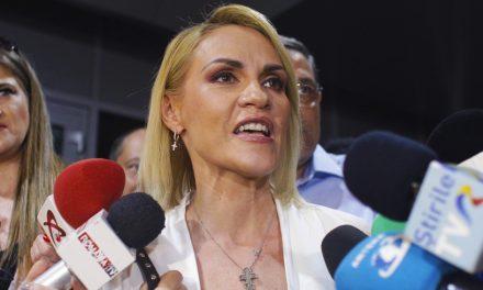 Imediat după ce și-a reprimit funcțiile în PSD, Firea s-a luat la ceartă cu un protestatar
