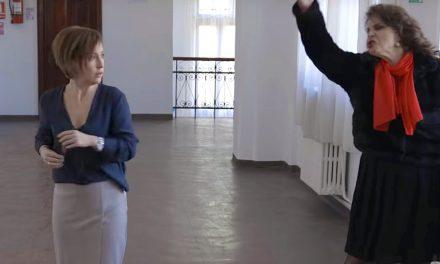 """Un scurt-metraj românesc despre o profesoară agresată de un părinte stârnește reacții. """"O palmă dată tuturor părinţilor!"""""""