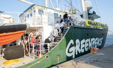"""Greenpeace """"Raninbow Warrior"""" a ajuns la Constanța. Programul de vizită și concert Toulouse Lautrec cu intrare liberă"""
