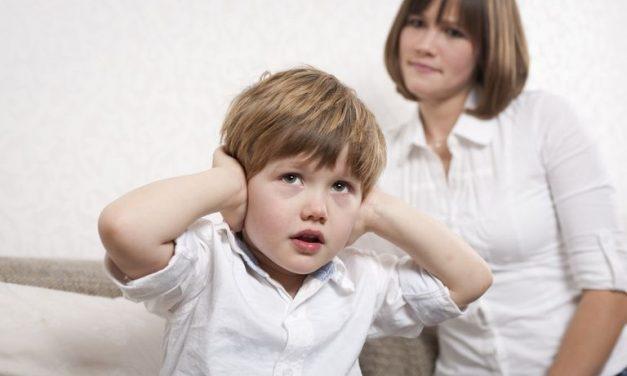 """Psiholog: """"Copiii nu trebuie să se supună și să asculte de părinți. Este schizofrenic, umilitor…"""""""