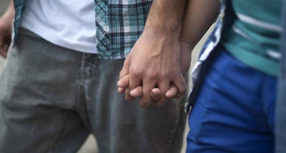 Șapte cupluri gay au dat în judecată statul român la CEDO. Cer să le fie recunoscute familiile