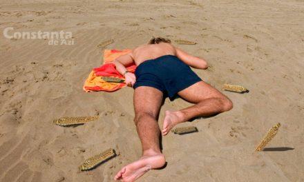Constănțean linșat cu coceni pe plajă după ce a cerut să se respecte distanțarea socială