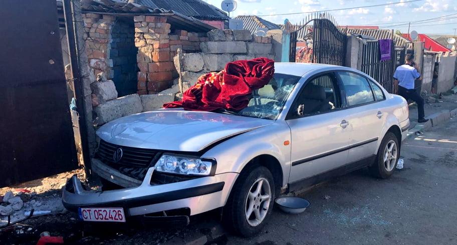 VIDEO FOTO. Accident cu 6 victime în Medgidia. O femeie a murit după ce un minor aflat la volan a pierdut controlul maşinii