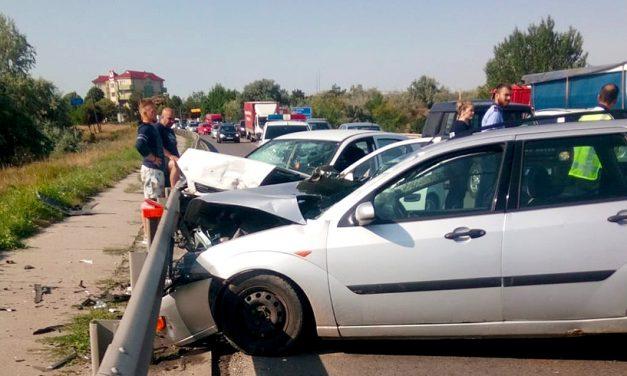 VIDEO/FOTO. Accident pe podul de la Ovidiu. Traficul rutier pe pod este blocat