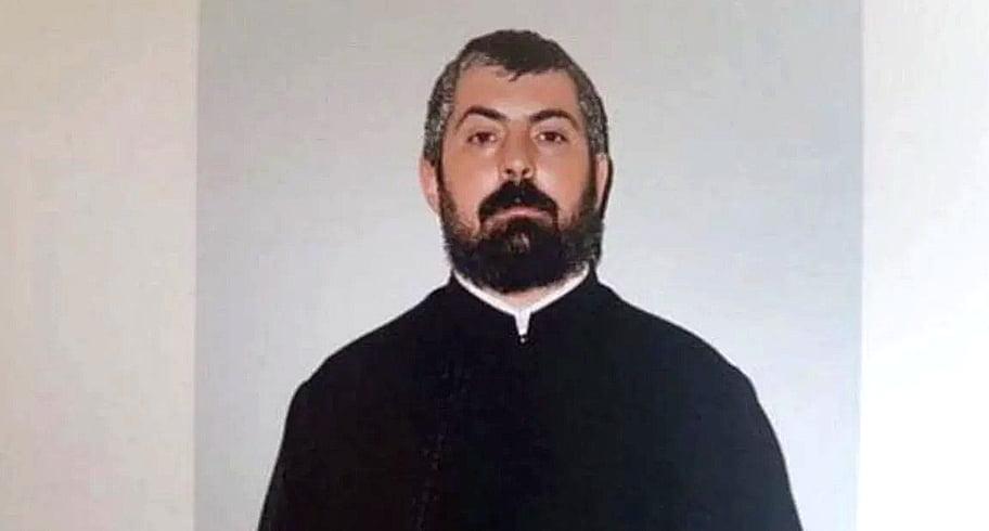 Preotul arestat pentru pornografie infantilă avea ID-ul de Instagram al unei fetițe notat pe un calendar în altarul bisericii