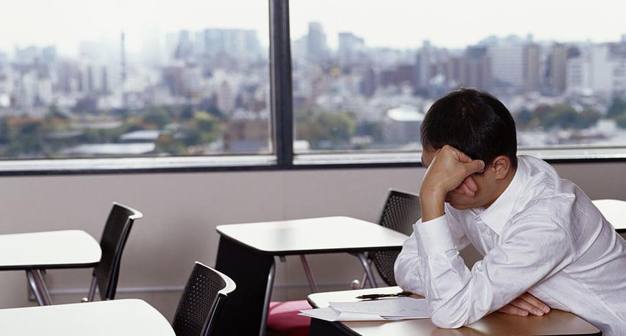 Un profesor a fost dat afară din examenul de titularizare, după ce a fost prins când copia
