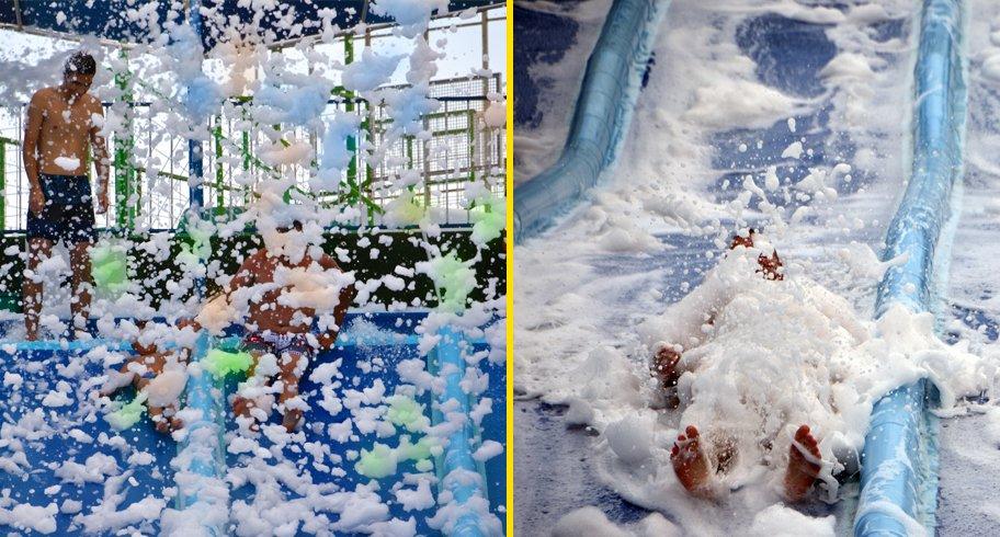 """Spumă colorată pe tobogane, fumigene și """"bumper cars"""", la Eforie Aqua Park"""