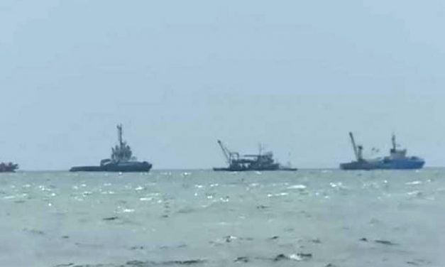 Pescador, la un pas de scufundare în Marea Neagră, zona Midia. Echipajul de la bord a fost salvat