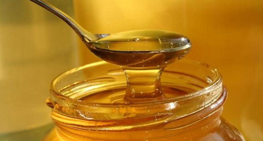 De anul viitor, Guvernul le va da elevilor câte un borcan cu miere