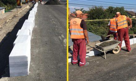 Primăria pune un nou rând de borduri din marmură pe Podul de la Butelii. Circulația direcționată pe o singură bandă