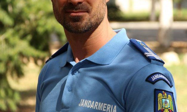 Bărbatul ideal este jandarm: Sebi e genul de om după care se dau în vânt femeile și bărbații, deopotrivă!!