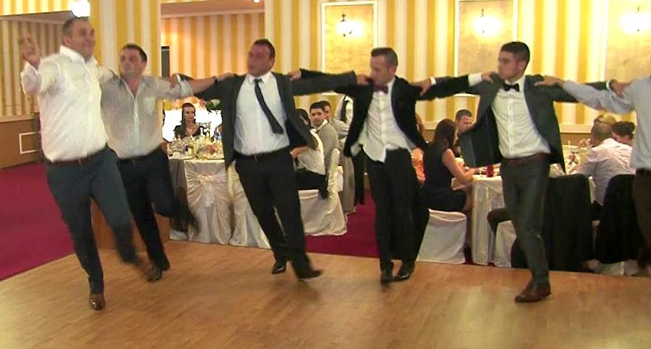 Un machedon din Constanța a plecat de la propria nuntă având obligații la alte trei nunți
