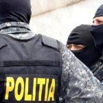 Percheziții într-un dosar de contrabadă la Constanța. 14 persoane reținute, 22.000 de pachete cu țigări confiscate
