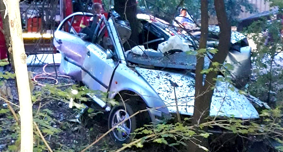 FOTO. Accident fatal! Un constănțean a murit după ce s-a izbit cu mașina de un copac