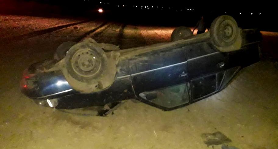 Trei copii au ajuns la spital după ce mama lor, băută la volan, s-a răsturnat cu mașina