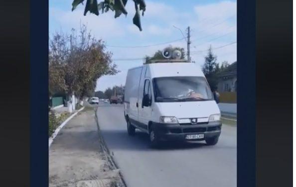 VIDEO / Localnicii dintr-o comună constănțeană chemați ca la circ, cu megafoane, să o întâmpine pe Dăncilă
