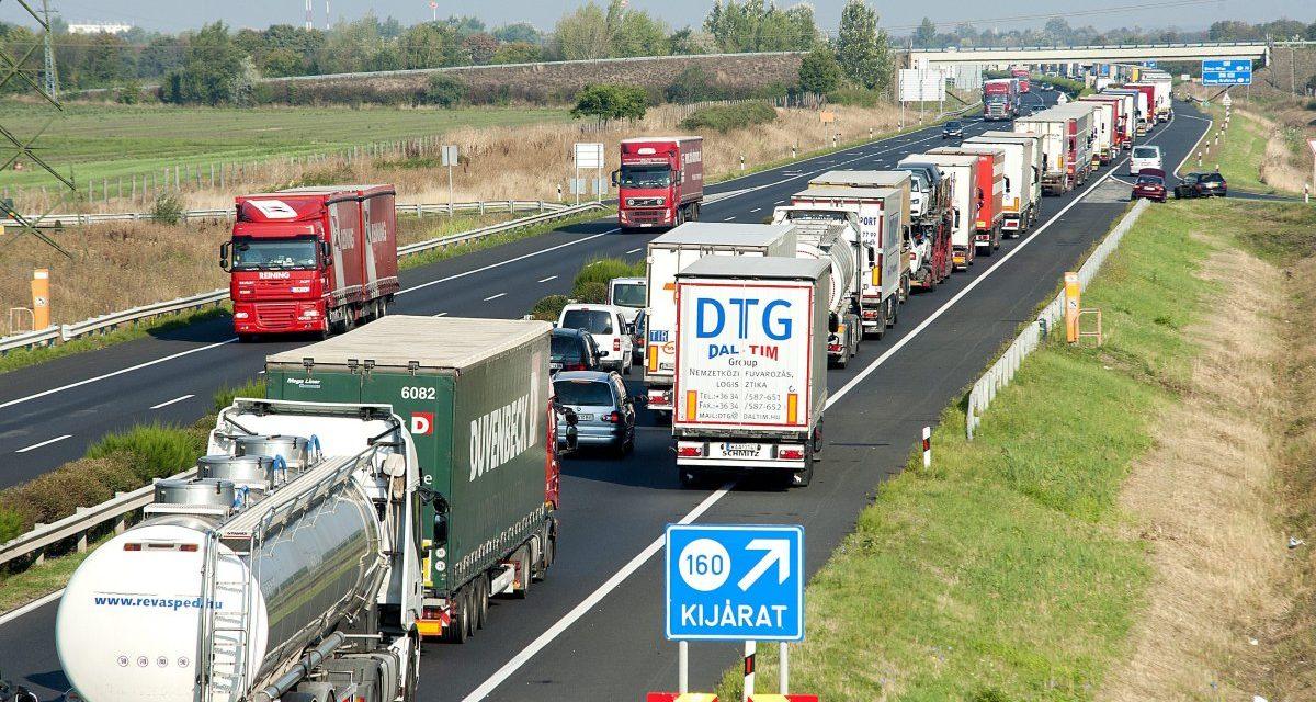 Prăpăd în Ungaria pentru șoferii români. Se cere tahograf pentru vehiculele între 2,4 și 3,5 tone, inclusiv cele cu remorcă sau semiremorcă