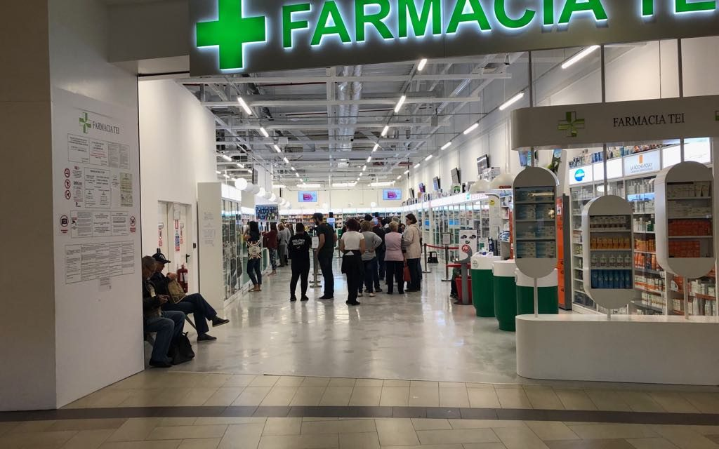 Bătaie la coadă în Farmacia Tei din Vivo după ce farmacista a anunțat că s-a terminat Nurofenul