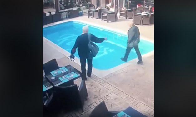 """VIDEO. Un inspector ANAF a """"pășit"""" în piscina unui restaurant din Constanța"""