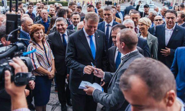 """Iohannis la Cluj: """"Eșecurile pesediștilor ne dor, pentru că se repercutează asupra vieții noastre de zi cu zi"""""""