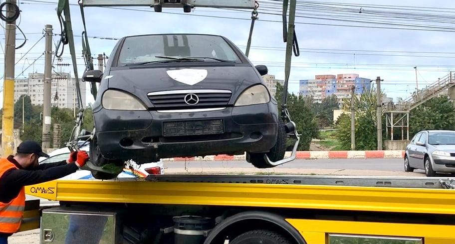 Peste 20 de mașini abandonate vor fi ridicate de pe străzile Constanței