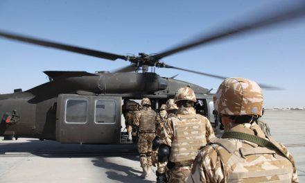 Militarii răniți în misiune, indemnizații lunare de 11.000 lei.  1000 lei în plus la pensie și 500 lei în timpul activității pentru veteranii din teatrele de operații