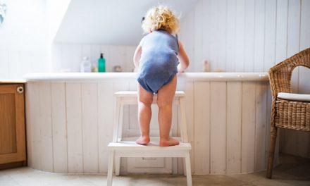 Cum să îți transformi baia într-un loc sigur pentru copii și vârstnici