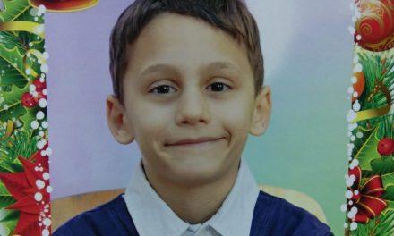 Copil de 8 ani, dispărut din fața casei unde se juca! Polițiștii și jandarmii l-au căutat toată noaptea, fără niciun rezultat