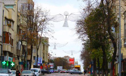 """Vin luminițele! Primăria anunță că 5000 de elemente decorative vor """"scălda"""" orașul în lumină"""