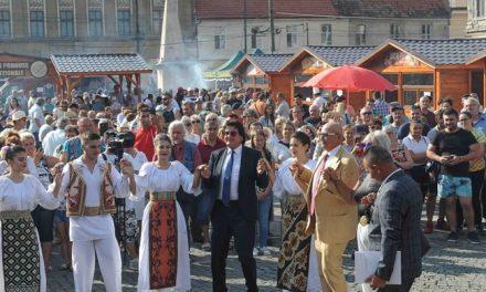 Timișoara, primul oraș care interzice manelele și micii pe grătare