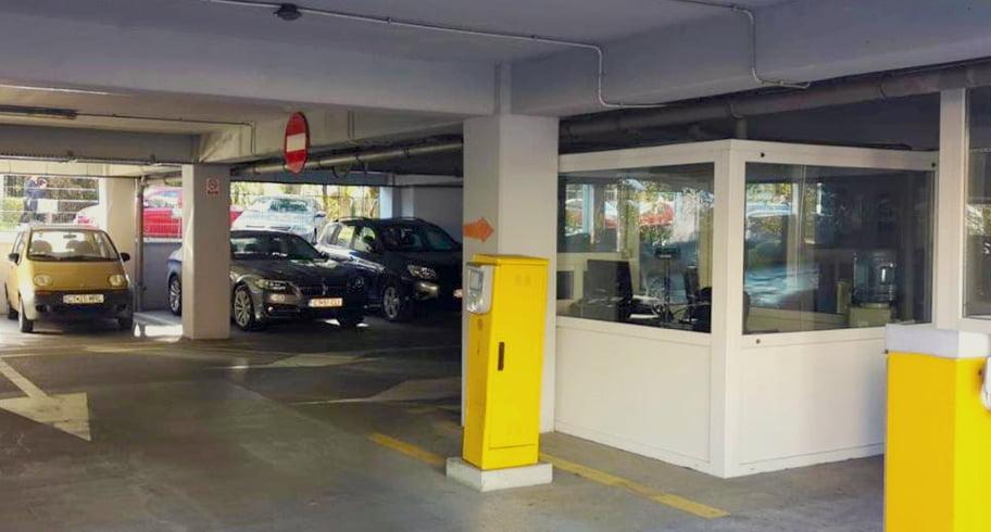 Parcarea supraetajată de la Spitalul Județean va avea sistem de plată cu ora