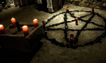 Minoră, drogată și abuzată într-un ritual satanic. S-a trezit complet dezbrăcată și cu cioburi înfipte în palme