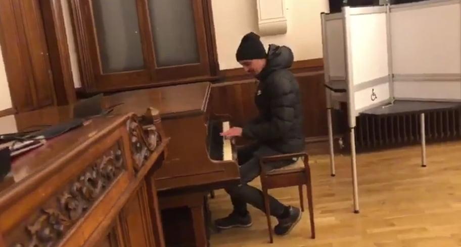 VIDEO. Un român a cântat la pian în secția de votare din Jersey