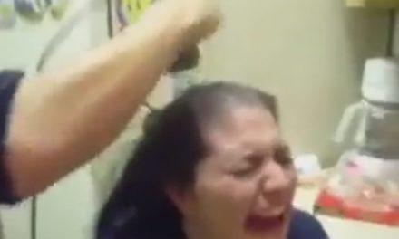 Și nu e Mariana Gâju! O primăriță a fost tunsă cu forța de protestatari