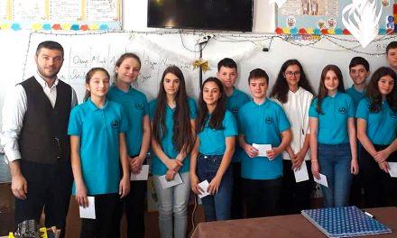 Elevii și profesorii din Ovidiu au primit burse de performanță din partea Primăriei