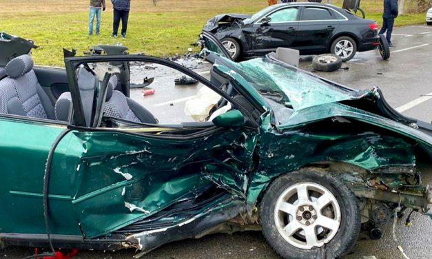 VIDEO. Șase răniți într-un accident cu trei mașini în Mamaia