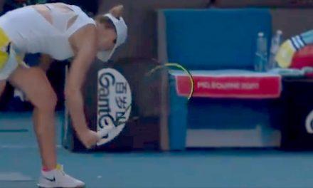 VIDEO. Simona Halep, criză de nervi. Și-a făcut praf racheta după meciul cu Muguruza