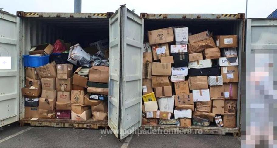 Containere pline cu gunoaie, aduse cu vaporul din Marea Britanie în Portul Constanța