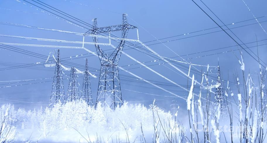 """Zeci de localităţi din Constanţa, fără curent electric. ENEL transmite că """"se lucrează"""""""
