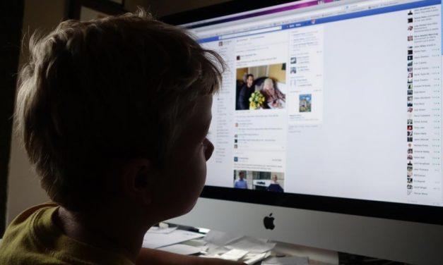Un copil în comă și altul arestat după ce s-au luat la bătaie pentru o postare pe Facebook